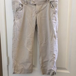 Ladies American eagle outfitters capris 6